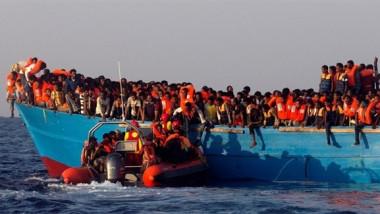 إنقاذ 41 مهاجراً  وفقد 63 آخرين قبالة  السواحل الليبية