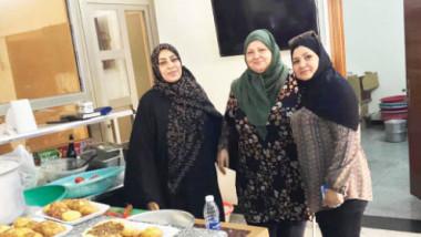 الحاجة «أم محمد« جمعت بين القوة  والتحدي والذوق والرقي في إعداد الطعام