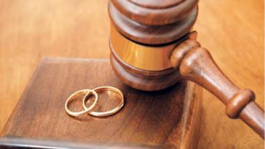 المحاكم العراقية تشهد حالات طلاق تمّت بواسطة «الفيس بوك»