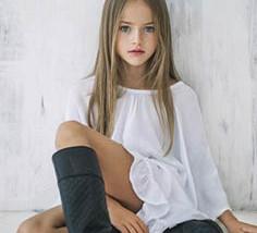 عروض أزياء الأطفال تسهم في بناء شخصايتهم