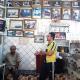 في شارع حسن آغا.. مقهى وصور وأبطال