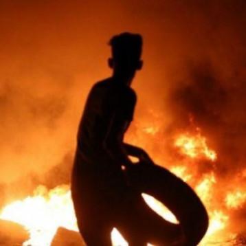 الدفاع المدني: مندسون هاجموا سيارات إطفاء هرعت لإخماد الحرائق في مقرات الأحزاب