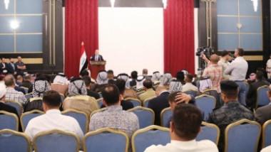العبادي يشدد على سلمية تظاهرات البصرة ويكشف عن مشروع لتحلية مياه البحر