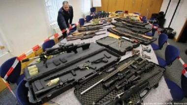 ألمانيا تعتزم تجريد اليمينيين المتطرفين من السلاح وتحذّر من خطرهم