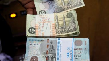 انخفاض أسعار العملة الإيرانية يربك الحركة التجارية في أسواق الإقليم