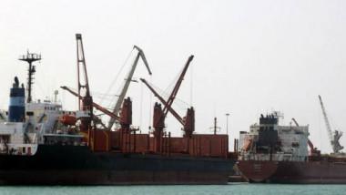 صنعاء تستأنف صادراتها النفطية من شبوة ومقتل 17 حوثياً