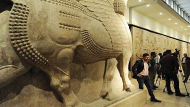 متحف بريطاني يعيد قطعاً  أثرية مسروقة إلى العراق