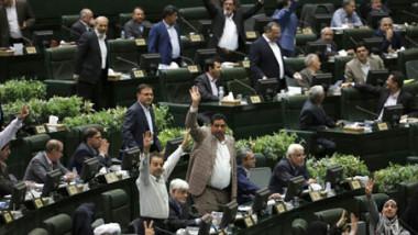 مجلس الشورى الإيراني يضع روحاني في الخانق ويرفض اجاباته