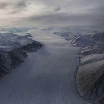«حل ثوري ومجنون» لوقف ذوبان الجليد
