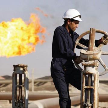 الإنتاج النفطي العراقي يبلغ أوجّه يقابله تراجع حاد  في الإنتاج الإيراني/ مفارقة جديرة بالاهتمام