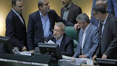 البرلمان الإيراني يخفف ضغوطه على روحاني ويعترف بتأثير العقوبات الأميركية
