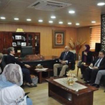 العراق وفنلندا يبحثان دعم مراكز التدريب المهني