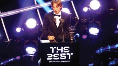 مودريتش يكسر هيمنة ميسي ورونالدو على «أفضل لاعب»
