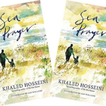 «مساءً، أمام البحر» او «صلاة البحر«  خالد حسيني يُهدي الغرقى كتاباً