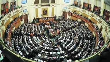 الحكومة المصرية تتعهد تحقيق توازن بين الأمن والحريات أثناء «الطوارئ»