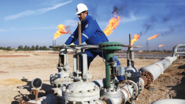 """""""النفط"""" تعتزم زيادة الصادرات إلى 4 ملايين برميل يومياً في العام المقبل"""