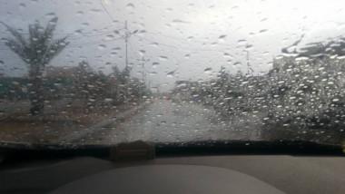 اليوم أول زخات مطر في العراق واعصار يضرب سلطنة عمان