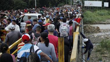 340 ألفاً من المئة نسبة التضخم في فنزويلا