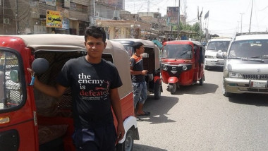 التوك توك ينتشر في شوارع بغداد ويزاحم السيارات والناس ويهدد مالكيه