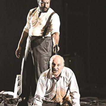 الفنان المسرحي عبد الامير شمخي: أعمالي قابله للتأويل