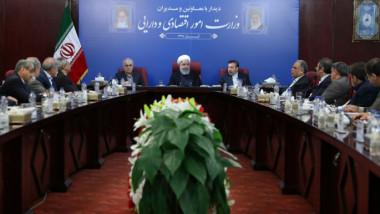 القادة الإيرانيون يتحدّون ترامب والشعب متخوّف من تنفيذ العقوبات