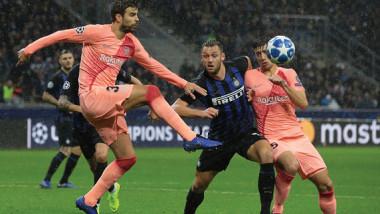 برشلونة يتعادل مع مضيفه إنتر ميلان ويحسم تأهله إلى ثمن النهائي