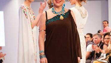 مصممة الأزياء هناء صادق: التكريم الذي سيسعدني يكون في بلدي