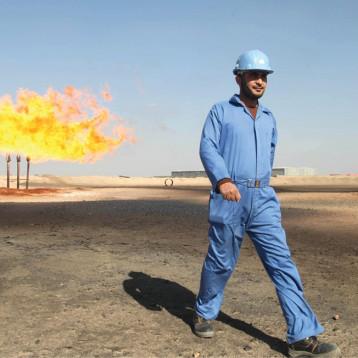 معضلة الكهرباء ومشكلة قانون شركة النفط الوطنية