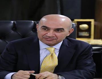 """وزير الإعمار يفتح تحقيقاً بعد """"صدمة"""" في مشروع ماء البصرة الكبير"""