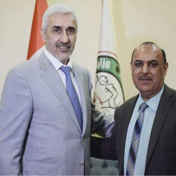 وزير الشباب والرياضة يعد بزيارة مقر البارالمبية ودعم رياضتها