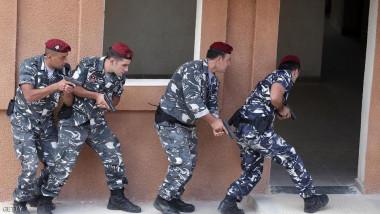الشرطة اللبنانية تشتبك مع سياسي مطلوب للاستجواب