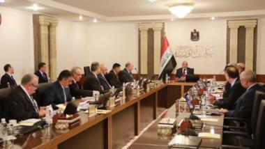 مجلس الوزراء يناقش مصير أصحاب العقود ويلغي انتخابات محلية