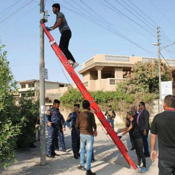 الاتصالات تزيل التجاوزات على شبكة الكابل الضوئي في بغداد
