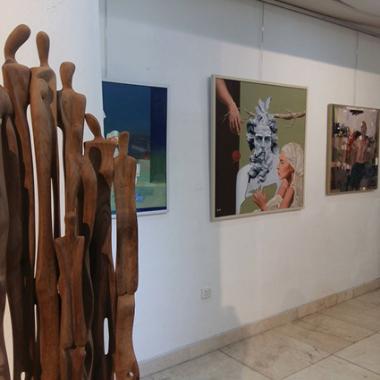 المعرض السنوي للتشكيليين  العراقيين.. خبرة الرواد وألق الشباب