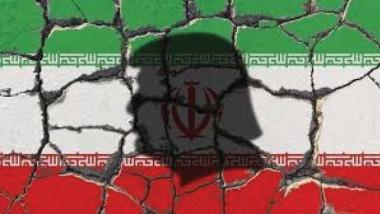 طهران تجد «أسواق الظل» للالتفاف على العقوبات الأمريكية