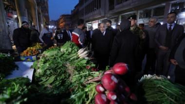 عبد المهدي يطلع على إعادة الحياة لشارع الرشيد