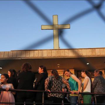 خبير يحذر: متطرفون مثل داعش قد يجبرون المسيحيين على الانقراض في الشرق