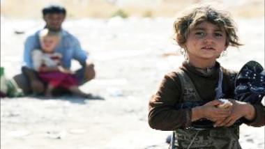 """طفل ايزيدي شهد بيع أمه وشقيقاته كـ """"سبايا"""" وطفلة نسيت لغتها بعد خطفها"""