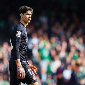 (لا ليغا) الإسبانية تحتفي بــ»التصدي الخرافي» للمغربي بونو ضد ريال مدريد