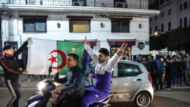 ارجاء انتخابات الرئاسة الجزائرية بعد عدول  بوتفليقة عن الترشح لولاية خامسة