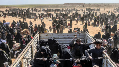 الخارجون من جحيم داعش الاخير  في سوريا سيل بشري لا ينتهي