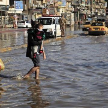 مدن البلاد تشهد هطول امطار غزيرة  يرجح ان تعطل الحركة الطبيعية فيها