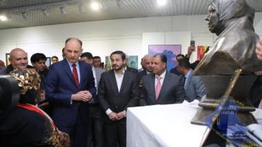وزير الثقافة يزيح الستار عن تمثال «ام قصي»