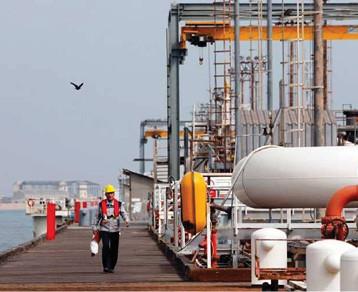 اميركا لن تجدد إعفاءات بعض مستوردي النفط الإيراني من العقوبات
