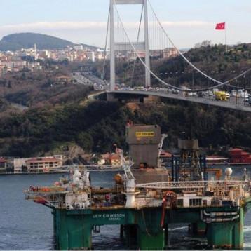 أنقرة توقف شراء نفط إيران إلتزاماً بالعقوبات الأميركية