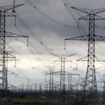 العراق ينضم إلى الشبكة الكهربائية الخليجية.. صيف 2020