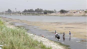 خبير دولي: 15 دولة عربية من بينها العراق تحت خط الفقر المائي في 2020