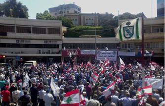 عسكريون متقاعدون يعتصمون في لبنان بسبب مقترحات لخفض معاشاتهم