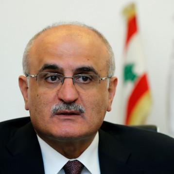 لبنان المثقل بالديون يحقق خفضاً في عجز ميزانية 2019