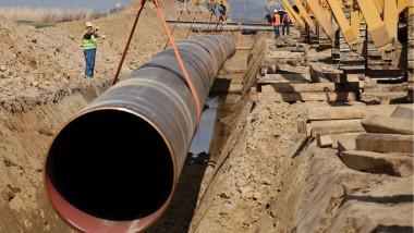 العراق يجري مراجعة أخيرة لأنبوب النفط عبر الأردن